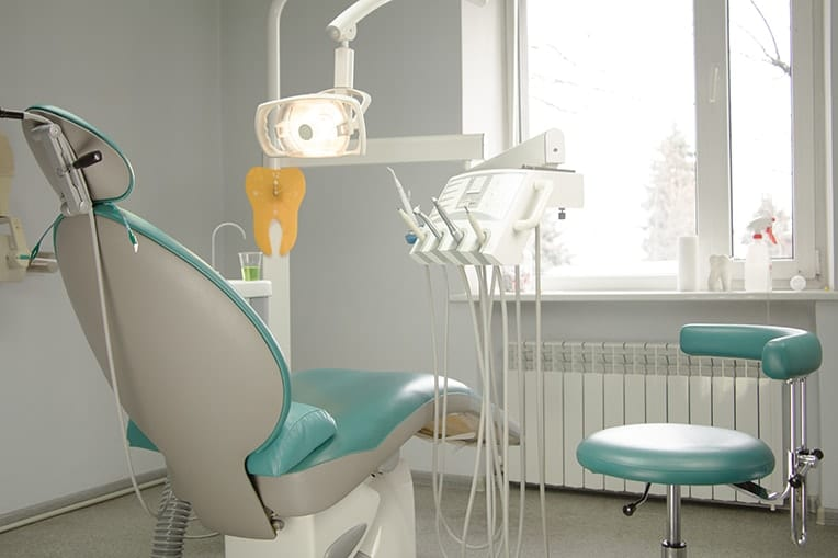 3 Reasons Why You Should Be Seeing Your Dentist Regularly