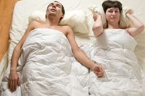 blog-snoring-couple